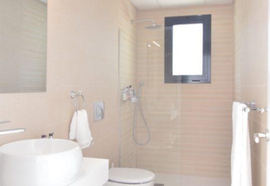 Villa Arena guest bathroom