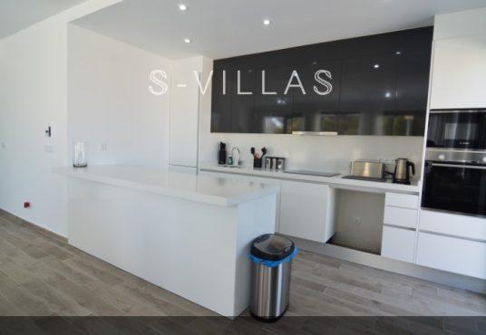 Villa Arena kitchen b