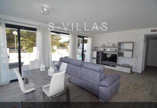 Villa Arena living dining room