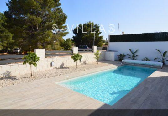 Villa Arena swimming pool
