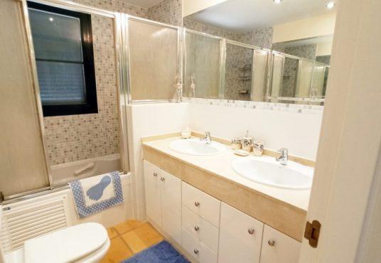 El Pinar Finestrat - Huis te koop badkamer ensuite