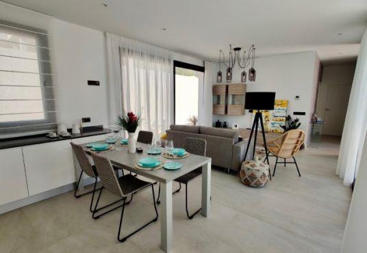 K'IIN VILLAS eetkamer en woonkamer