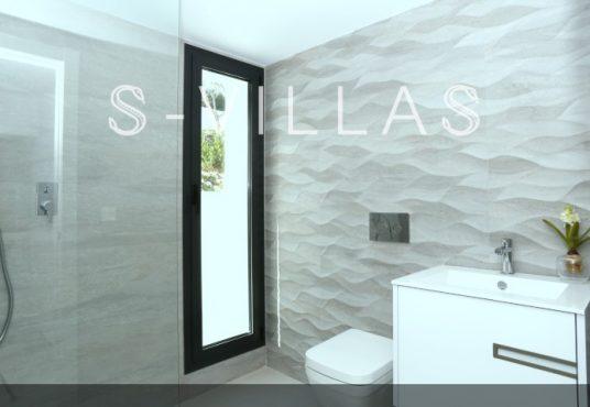 Villa in Ibiza stijl in Denia badkamer c