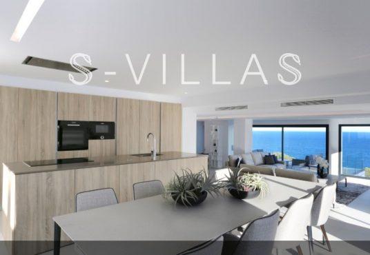 Villa in Ibiza stijl in Denia eetkamer