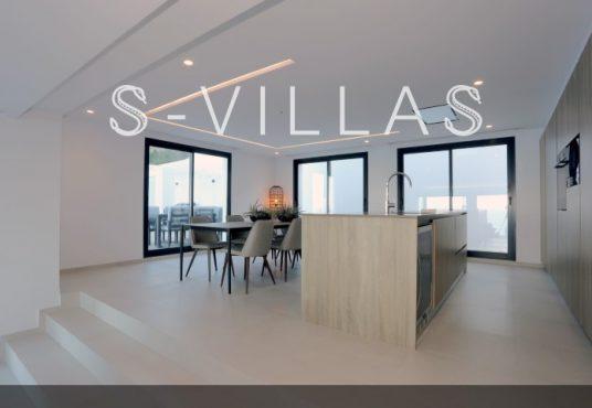 Villa in Ibiza stijl in Denia eetkamer en keuken