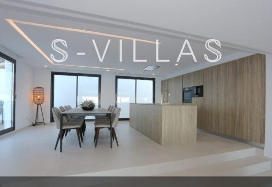 Villa in Ibiza stijl in Denia eetkamer en keuken b