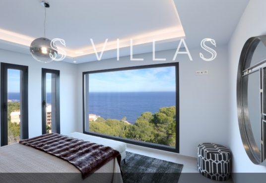 Villa in Ibiza stijl in Denia master bedroom met zeezicht