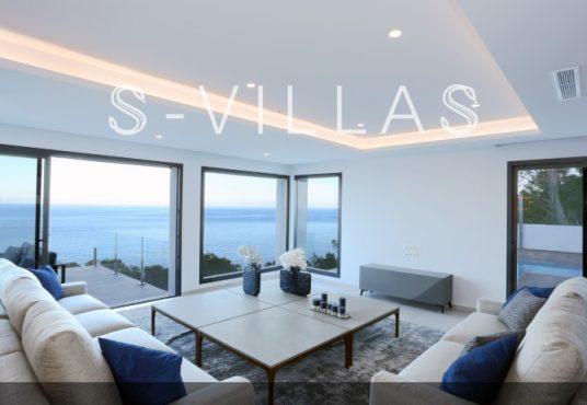 Villa in Ibiza stijl in Denia woonkamer met zeezicht